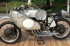 Moto-Guzzi-500-4-cylindres-année-1954