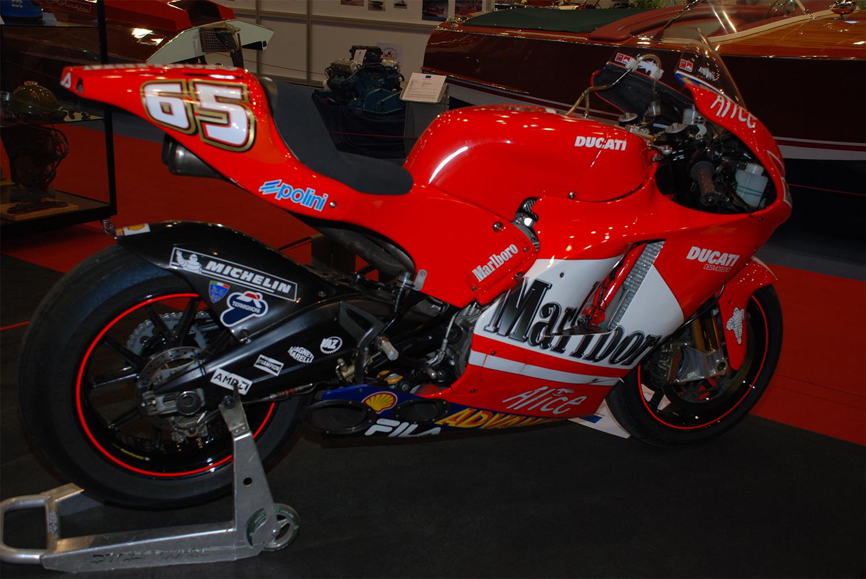 Ducati-MotoGP-Loris-Capirossi-et-de-Troy-Bayliss