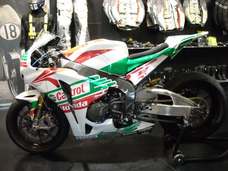 HONDA-CB-1000-RR-CASTOL-anno-2011