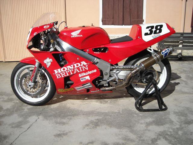 Honda-VFR-750-RC30,-1988