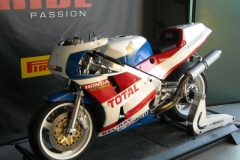 Honda-RC30-Dholda